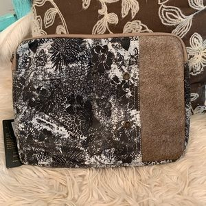 """""""Chic & Floral IPad Case"""""""
